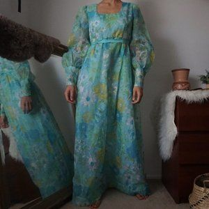 Vintage Floral Puff Sleve Dramatic Maxi Dress